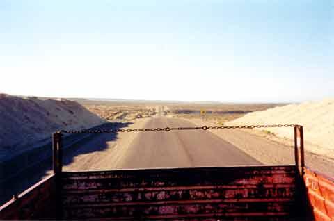 Per Anhalter durch Patagonien - auf einem LKW-Auflieger